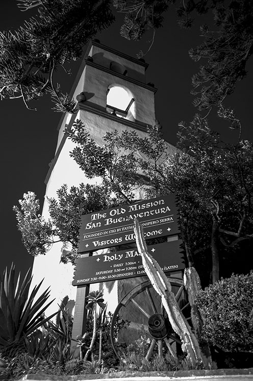Mission San Buenaventura. Courtesy of Paul Richmond.
